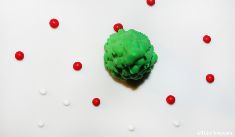 Sapin pate Fimo avec boules de Noel