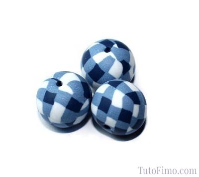Perle vichy bleu en pate Fimo